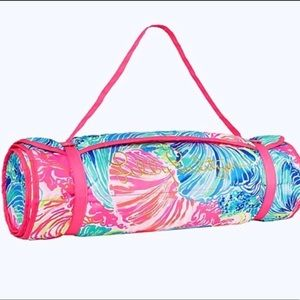 Lilly Pulitzer rolled roll beach mat new